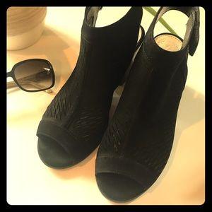Vince Camuto sandal/bootie